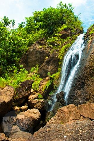pemandangan curug Banyunibo, Batur, Patuk, Gunungkidul di zaman dulu