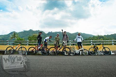 pesepeda pekok ranger menjajah curug Banyunibo, Batur, Patuk, Gunungkidul