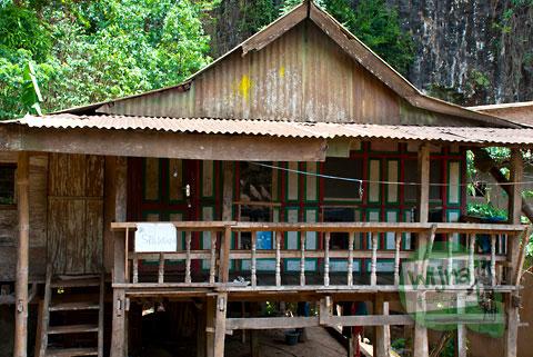 Tarif sewa kamar penginapan di dekat kawasan Air Terjun Takapala, di Desa Malino, Tinggimoncong, Gowa, Sulawesi Selatan