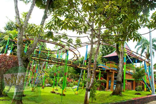 jet roller coaster Taman Kyai Langgeng Kota Magelang yang rusak di tahun 2012