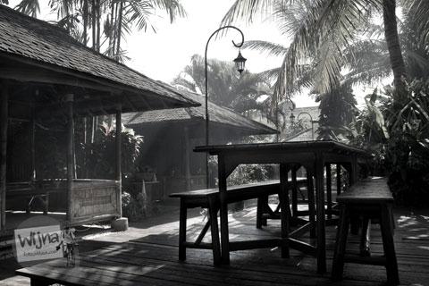 spot selfie di rumah makan pondok lauk Tangerang, Banten