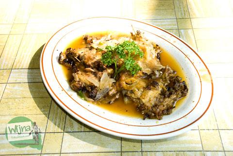 kuliner ayam pecak khas Tangerang, Banten