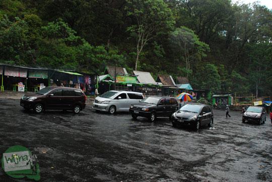 tarif rute trayek angkutan umum musim libur angkot bus kecil dari kota malang batu menuju lokasi parkir kendaraan objek wisata air terjun coban rondo pujon malang 2011