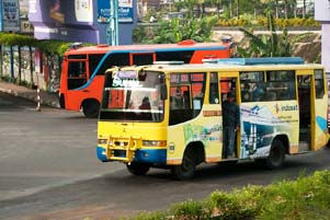 Thumbnail artikel blog berjudul 5 Alasan Tidak Naik Bus Kota Jogja