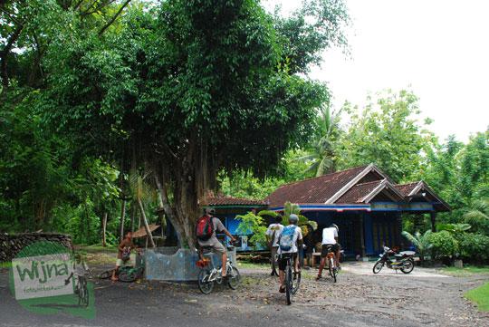 cerita kisah kenangan bersepeda ke sendang ngembel di desa Sendangsari, Pajangan, bantul saat masih sepi dan belum terkenal