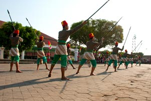 Hal-hal Kecil di Festival Bentara Upacara Adat 2012