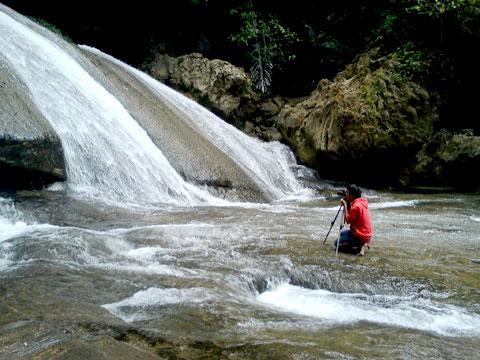 trik tips motret foto air terjun yang bagus dan indah