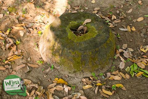 Batu pondasi tiang masjid Kauman Keraton Pleret di Pleret, Bantul