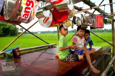 Dangau tempat mengendalikan piranti suara di Desa Wisata Candran, Kebonagung, Imogiri, Bantul