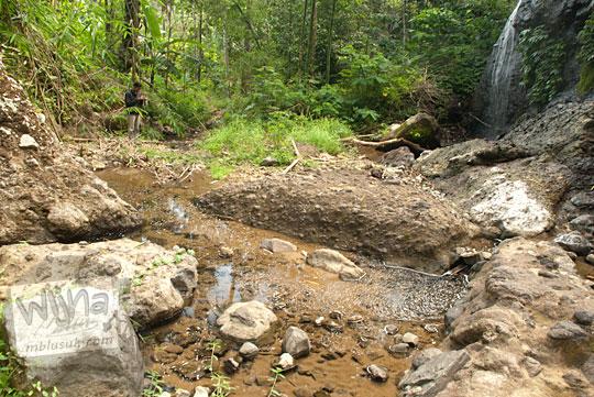 Suasana di sekitar objek wisata alam Curug Benowo, di Desa Bener, Purworejo, Jawa Tengah yang masih alami bersih sampaj dan belum tertata