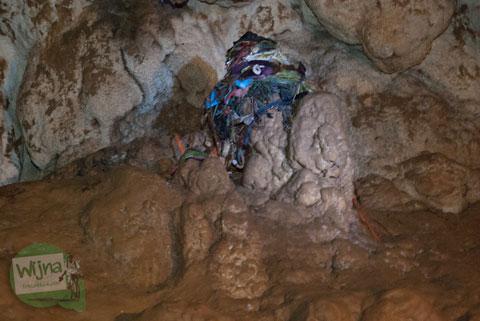 Mitos batu cinta yang ada di Gua Batu di Bantimurung, Maros, Sulawesi Selatan di tahun 2012