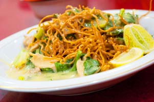 Thumbnail artikel blog berjudul Lidah Jawa Mengicip Kuliner Makassar