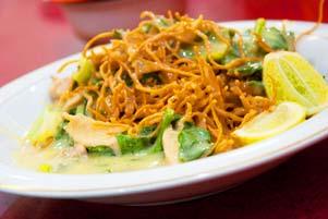 Thumbnail untuk artikel blog berjudul Lidah Jawa Mengicip Kuliner Makassar