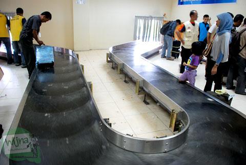 Suasana ruang tunggu kedatangan di Bandara Haluoleo Kendari Sulawesi Tenggara