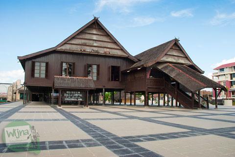Istana kesultanan Makassar, Balla Lompoa