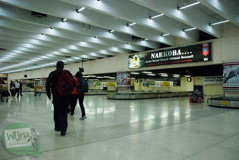 Menunggu di Bandara Soekarno-Hatta dini hari