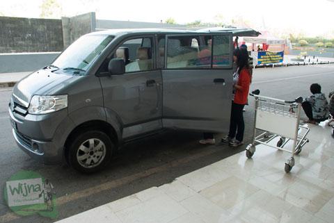 Informasi sewa mobil innova APV di Makassar murah gratis bensin