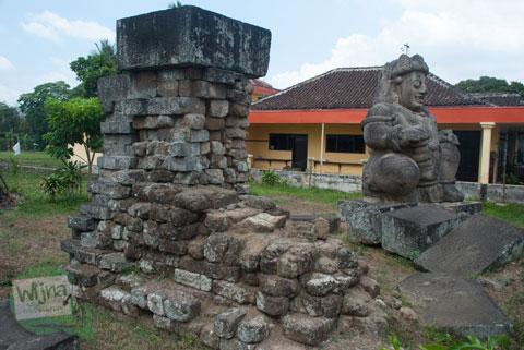 Bekas lokasi kerajaan Singosari di dekat arca dwarapala di malang zaman dulu