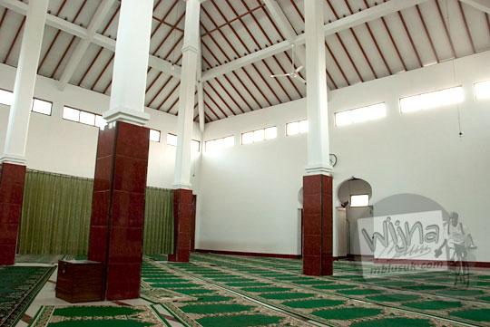 Suasana di dalam Masjid Sabilurrosyad, Kauman, Wijirejo, Pandak, Bantul
