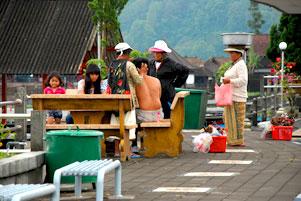 Thumbnail untuk artikel blog berjudul Suvenir Paksa di Danau Batur Bali