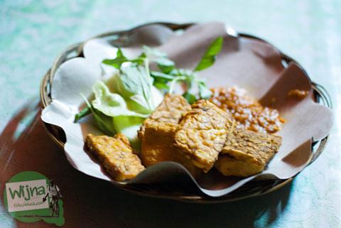 Tempat makan di Bali yang halal dan murah