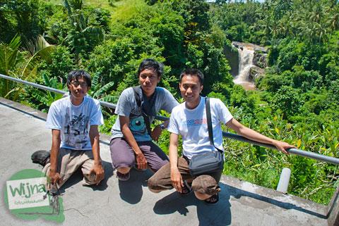 Petualangan tiga lajang ke Bali