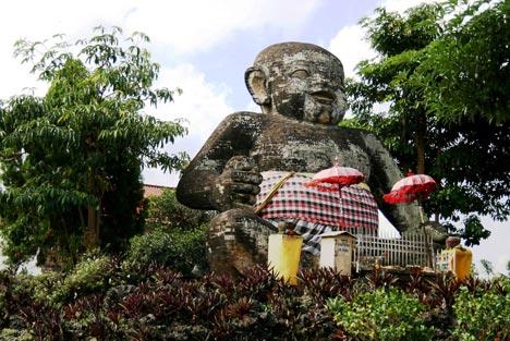 Foto patung Bayi di Gianyar, Bali pada tahun 2013