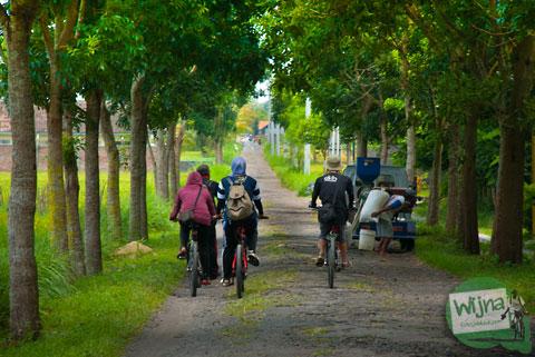 Pulang bersepeda dari air terjun (tritis) di cepit, bokoharjo, prambanan, sleman, yogyakarta