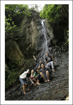 Penampakan air terjun (tritis) di cepit, bokoharjo, prambanan, sleman, yogyakarta