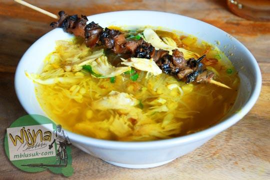 warung soto murah dengan menu tambahan sate keong enak di bantul pada tahun 2013