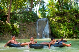 Thumbnail untuk artikel blog berjudul Asyiknya Main Air di Kedung Pengilon Bangunjiwo