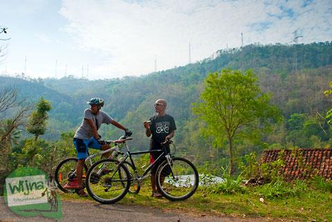 bersepeda di seputar desa ngoro-oro patuk gunungkidul yang penuh dengan medan tanjakan