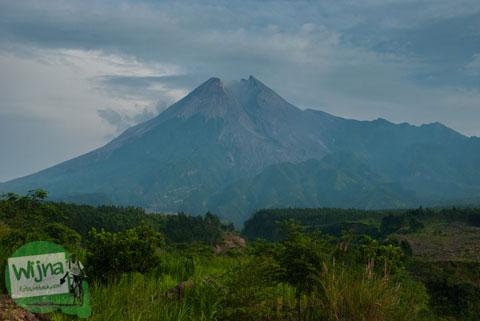 Pemandangan gunung Merapi dari Kaliadem tahun 2013
