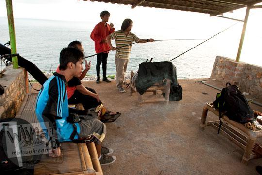 Cerita mistis pengalaman para pemancing yang hobi memancing di Laut Bekah, Purwosari, Gunungkidul pada tahun 2012