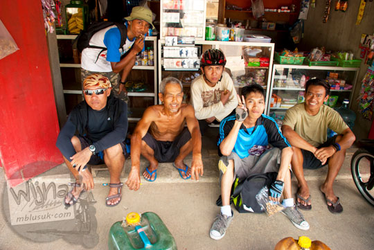 Cerita seorang warga Purwosari bapak pemilik toko kelontong tentang sejarah Laut Bekah, Purwosari, Gunungkidul pada tahun 2012