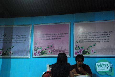 pesan-pesan cinta untuk pasangan pacar di rumah makan plecing kangkung baluran di baciro dekat stasiun lempuyangan jogja