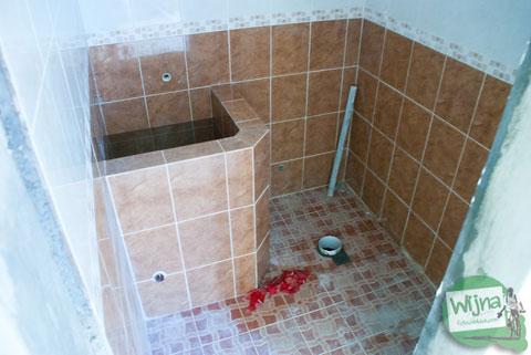 bentuk kamar mandi toilet di rumah tipe 36 murah yang dijual di perumahan Bantul