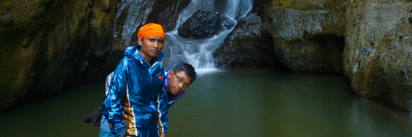 cerita blog bertualang ke air terjun curug nabag di purworejo yang tersembunyi