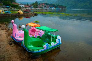 Yang Terpinggirkan di Danau Toba