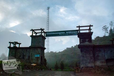 gerbang selamat datang di desa Sembungan, kecamatan kejajar, wonosobo pada tahun 2014