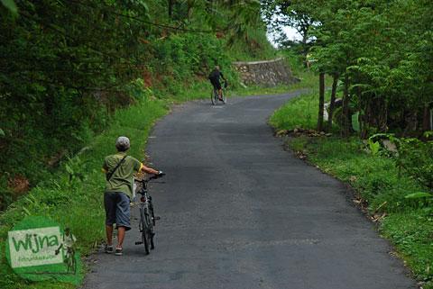 Rute tanjakan alternatif menuju Gua Kiskendo di Kulon Progo, Yogyakarta