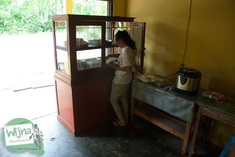 Harga makanan dan minuman di Warung Makan Mbah Juri, Banjaroya, Kulon Progo
