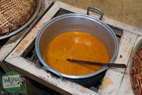 Sayur kentang menu tradisional di Warung Makan Mbah Juri, Banjaroya, Kulon Progo