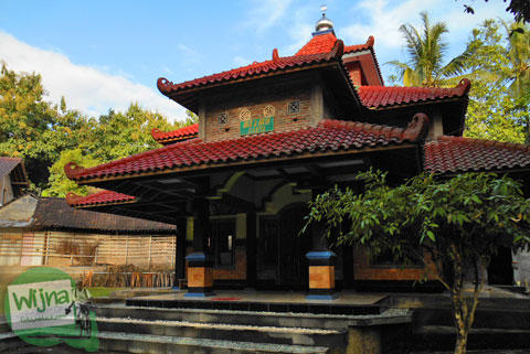 Masjid Al-Hidayah di dekat Sendang Klampok, Mata air pengharapan di Salamrejo, Sentolo, Kulon Progo