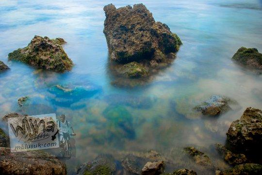 Pesona Pantai Nampu di Wonogiri Jawa Tengah yang menarik untuk Hunting Foto Slow Speed.