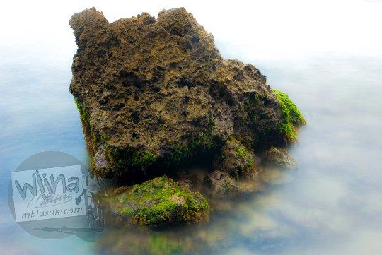 Pesona Pantai Nampu di Wonogiri Jawa Tengah yang dekat tempat servis DSLR dan lensa di Wonogiri..