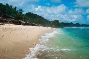 Korupsi, Slow Speed, dan Pantai Nampu Wonogiri