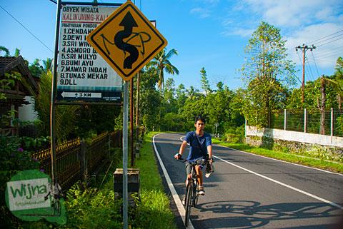 Bersepeda nanjak di jalan Kaliurang hingga km 21 demi mencari Pancuran mistis Dewi Peri di Umbulharjo, Cangkringan