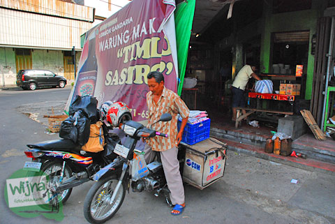 Lokasi warung timlo sastro pasar gede terkenal yang ada di kota Solo, Jawa Tengah