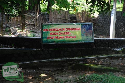 Foto kandang rusa sebelum dipindah di Taman Satwa Taru Jurug Surakarta pada tahun 2014